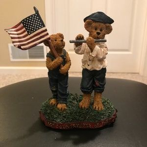 My Country Tis of Thee Boyds Bear Statue